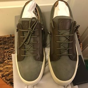 NEW Giuseppe Zanotti Suede & Leather Low Top Sneak
